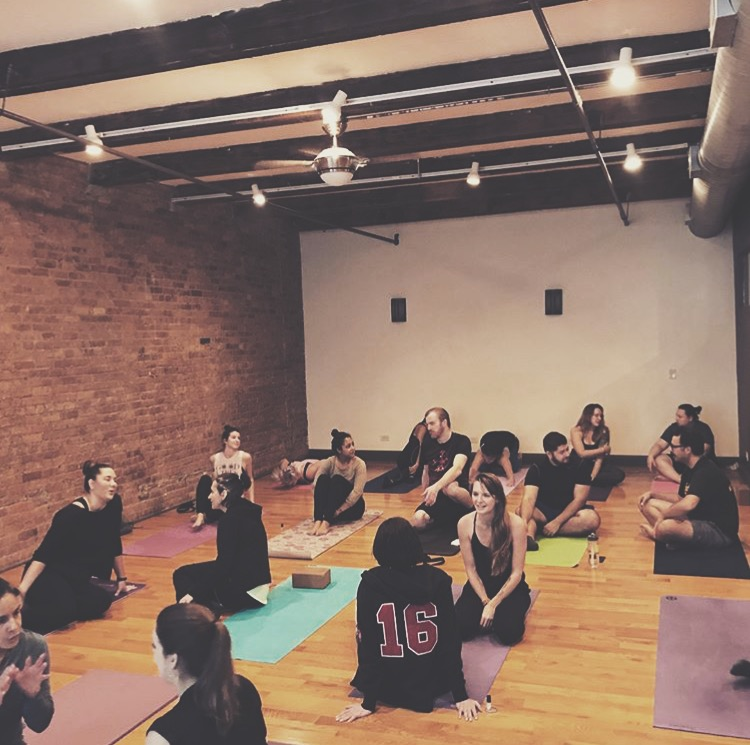 Yoga students at Ilona Barnharts yoga workshop