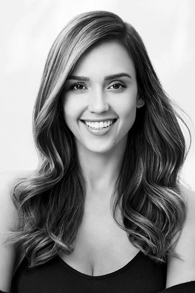 Jessica Alba black and white famous human design Manifesting Generator