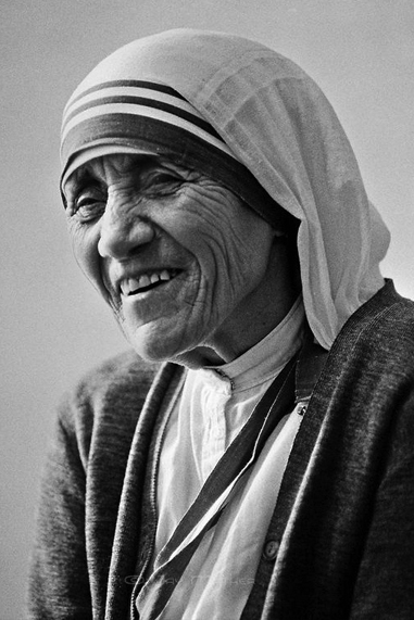 Mother Teresa black and white famous human design Manifesting Generator
